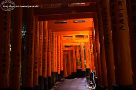 日本京都~伏见稻荷大社,登顶稻荷山,偶入东福寺