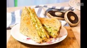 【视频】早餐佳选~牛油果鸡蛋三明治