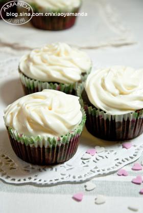 史上最简单的纸杯蛋糕~摩卡纸杯蛋糕(配奶油芝士糖霜)