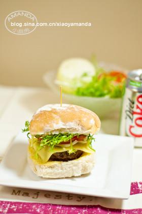 无比冤屈的食物~牛肉芝士汉堡