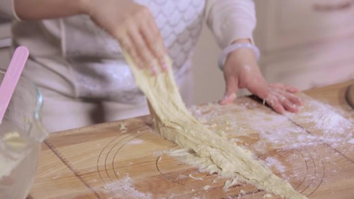 平底锅乳酪面包.mov_20160413_161953.641