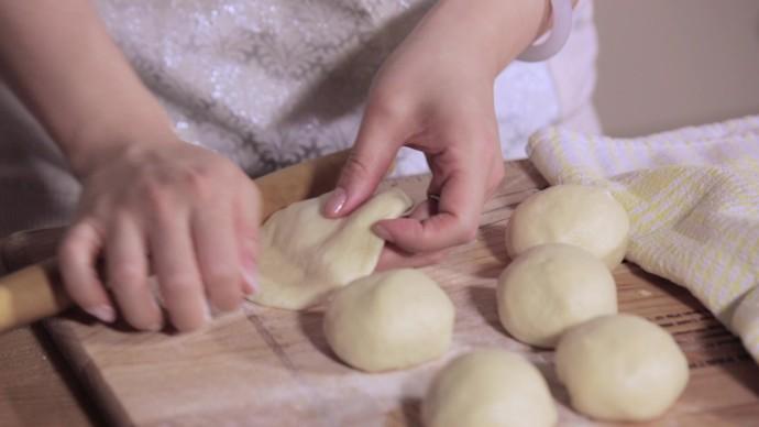 平底锅乳酪面包.mov_20160413_162602.412