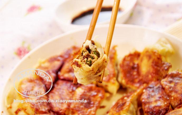 过年了包点饺子吧——三鲜煎饺
